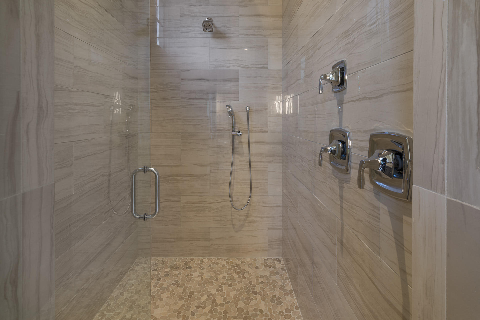 custom shower built by Einheit custom home builder