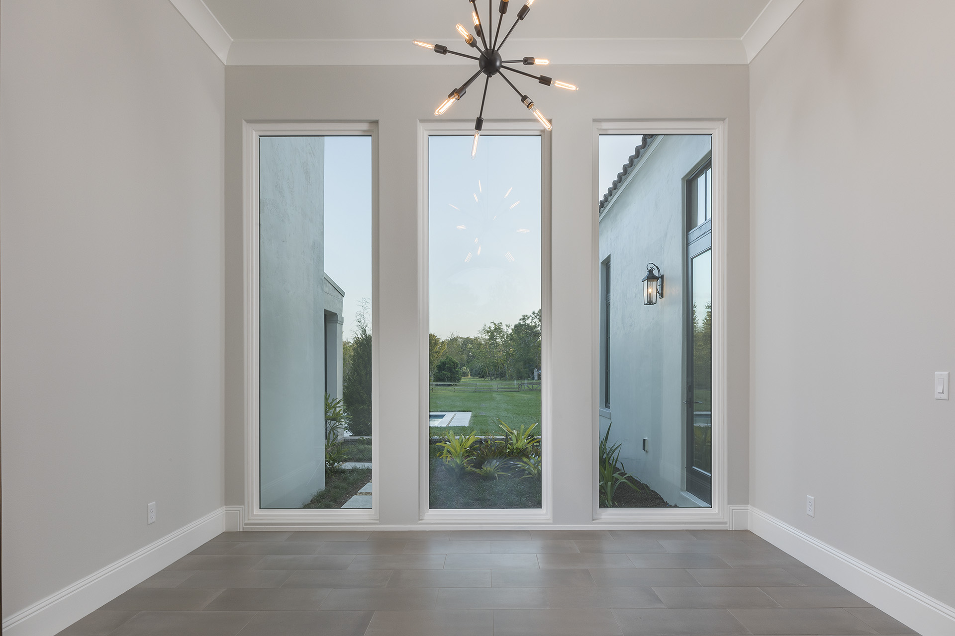 custom interior designed by Orlando home builder Einheit Homes
