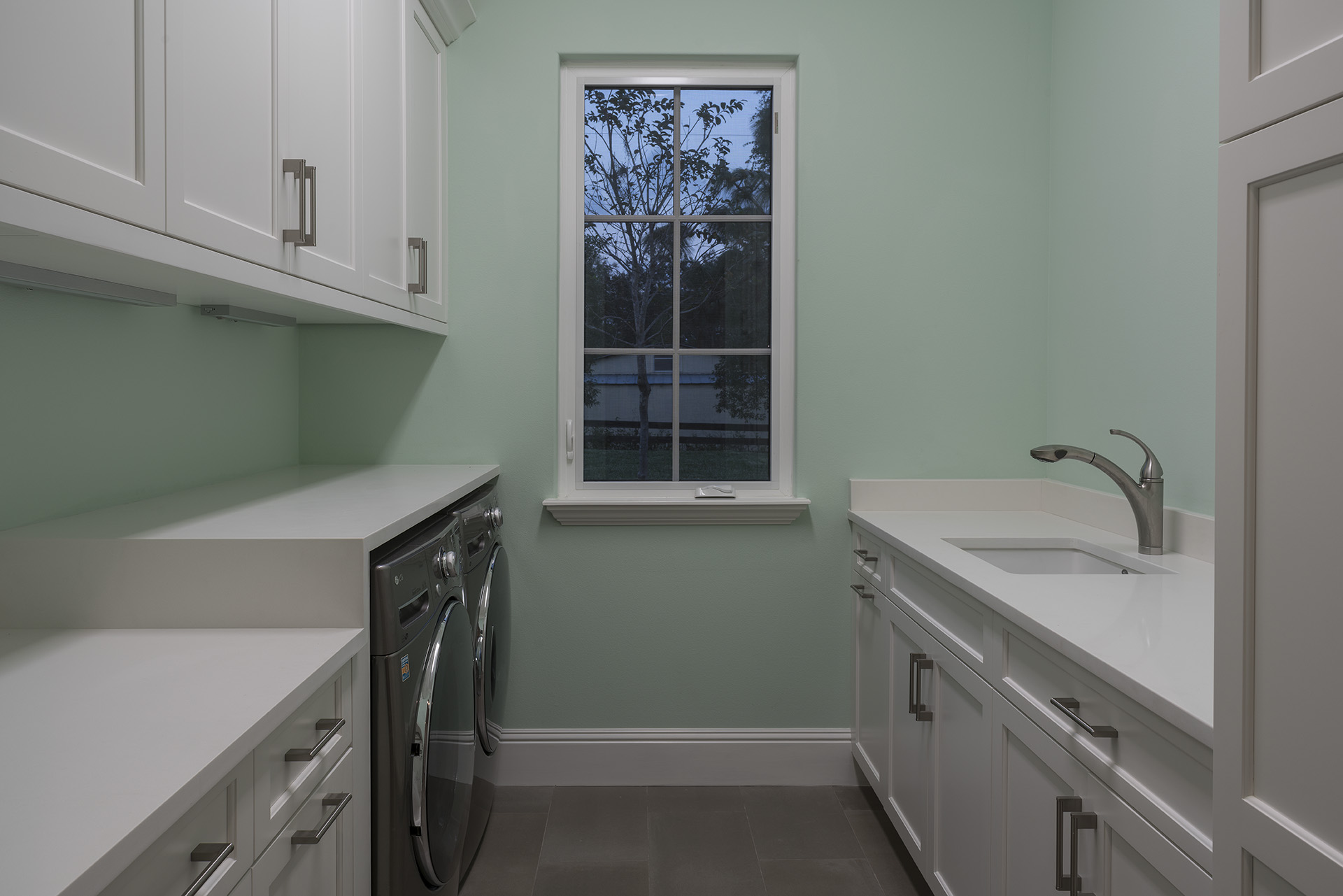 laundry room remodeled by Einheit Homes